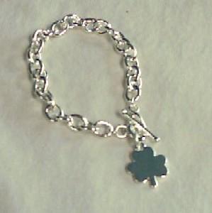 Shamrock toggle bracelet