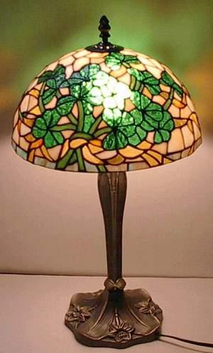 shamrock tiffany lamp