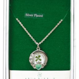 claddagh necklace